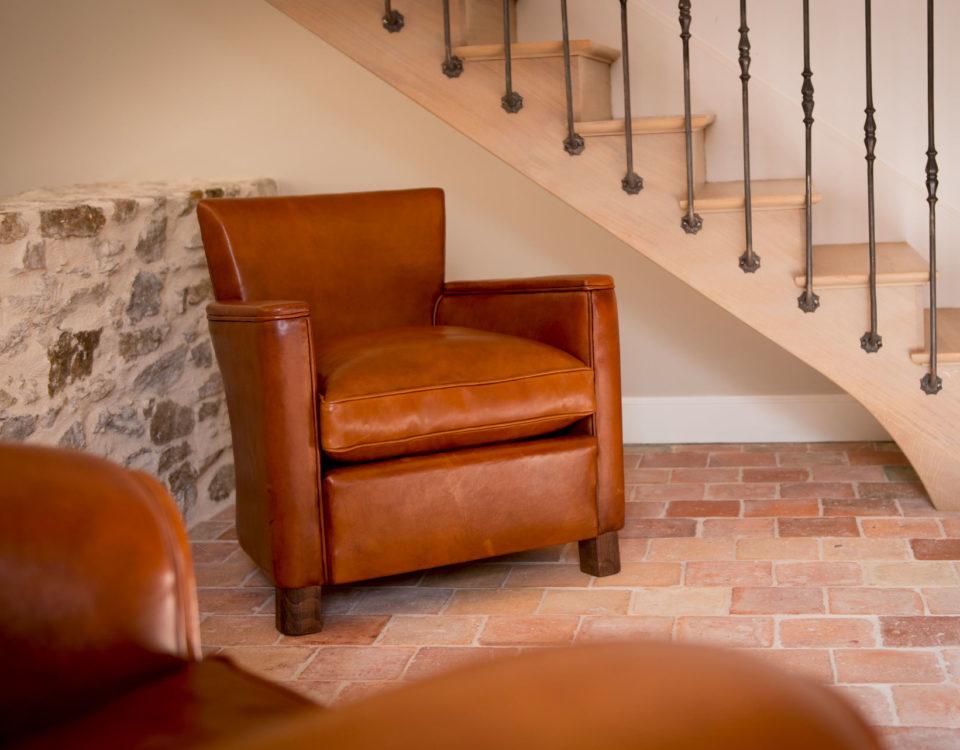 Entretenir un fauteuil club cuir Barreteau